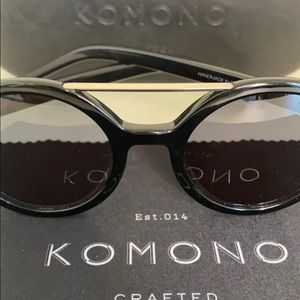 Komono Vivien Glossy Black New Sunglasses